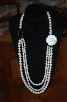 Collana Perle di fiume laterale in madre perla